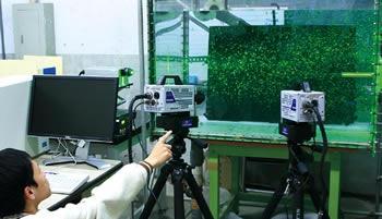時系列ステレオ粒子画像流速計を用いた噴流の三次元速度計測画像
