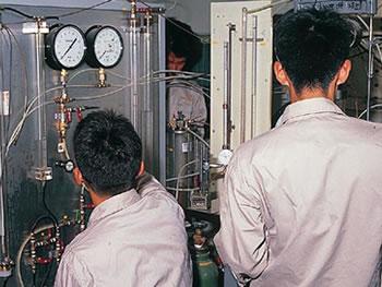 非排水状態下のしらすの三軸圧縮試験画像