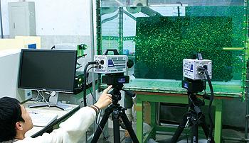 時系列ステレオ粒子画像流速計を用いた噴流の三次元速度計測